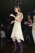 Dorothee de Pau. party for artist Maria Marshall hosted by Dorothee de Pau. The Astral, Brewer St. London. 25 November 2000<br /> © Copyright Photograph by Dafydd Jones 66 Stockwell Park Rd. London SW9 0DA Tel 020 7733 0108 www.dafjones.com