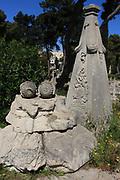 Valletta (il-Belt Valletta, il-Belt Valetta, Valetta) ist die Hauptstadt der Republik Malta. Sie ist nach Fl&auml;che und Einwohnerzahl die kleinste Hauptstadt eines EU-Staates. Aufgrund ihres kulturellen Reichtums wurde Valletta 1980 als Gesamtmonument in die Liste des UNESCO-Welterbes eingetragen. 2018 ist Valletta Kulturhauptstadt Europas. La Valetta gilt als eine der historisch am besten gesicherten St&auml;dte der Welt, denn sie wird von einem Ring aus Bastionen umgeben.<br /> In der Stadt gibt es zahlreiche historische Caf&eacute;s, Restaurants, Banken, Hotels und Regierungsgeb&auml;ude. Die &ouml;ffentlichen G&auml;rten gew&auml;hren einen fantastischen Blick &uuml;ber den Grand Harbour und andere Bereiche. &copy; romano p. riedo | fotopunkt.chValletta (il-Belt Valletta, il-Belt Valetta, Valetta) ist die Hauptstadt der Republik Malta. Sie ist nach Fl&auml;che und Einwohnerzahl die kleinste Hauptstadt eines EU-Staates. Aufgrund ihres kulturellen Reichtums wurde Valletta 1980 als Gesamtmonument in die Liste des UNESCO-Welterbes eingetragen. 2018 ist Valletta Kulturhauptstadt Europas. La Valetta gilt als eine der historisch am besten gesicherten St&auml;dte der Welt, denn sie wird von einem Ring aus Bastionen umgeben.<br /> In der Stadt gibt es zahlreiche historische Caf&eacute;s, Restaurants, Banken, Hotels und Regierungsgeb&auml;ude. Die &ouml;ffentlichen G&auml;rten gew&auml;hren einen fantastischen Blick &uuml;ber den Grand Harbour und andere Bereiche. &copy; romano p. riedo | fotopunkt.chValletta (il-Belt Valletta, il-Belt Valetta, Valetta) ist die Hauptstadt der Republik Malta. Sie ist nach Fl&auml;che und Einwohnerzahl die kleinste Hauptstadt eines EU-Staates. Aufgrund ihres kulturellen Reichtums wurde Valletta 1980 als Gesamtmonument in die Liste des UNESCO-Welterbes eingetragen. 2018 ist Valletta Kulturhauptstadt Europas. La Valetta gilt als eine der historisch am besten gesicherten St&auml;dte der Welt, denn sie wird von einem Ring aus Bastionen umgebe