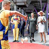 Maxima bezoekt CHV Noordkade en opent Theater De Blauwe Kei