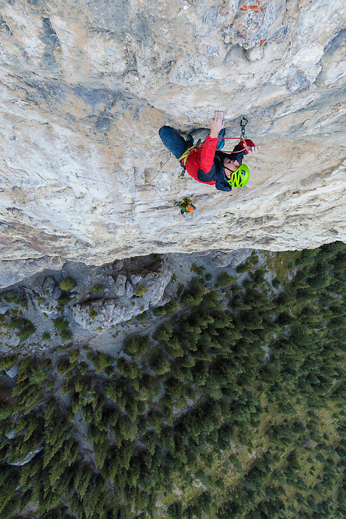 Sonnie Trotter going for the clip on his new variation to Blue Jeans, Blue Jeans Direct, 5.14a. Blue Jeans is an 8 pitch route on Mt Yamnuska in Alberta, Canada