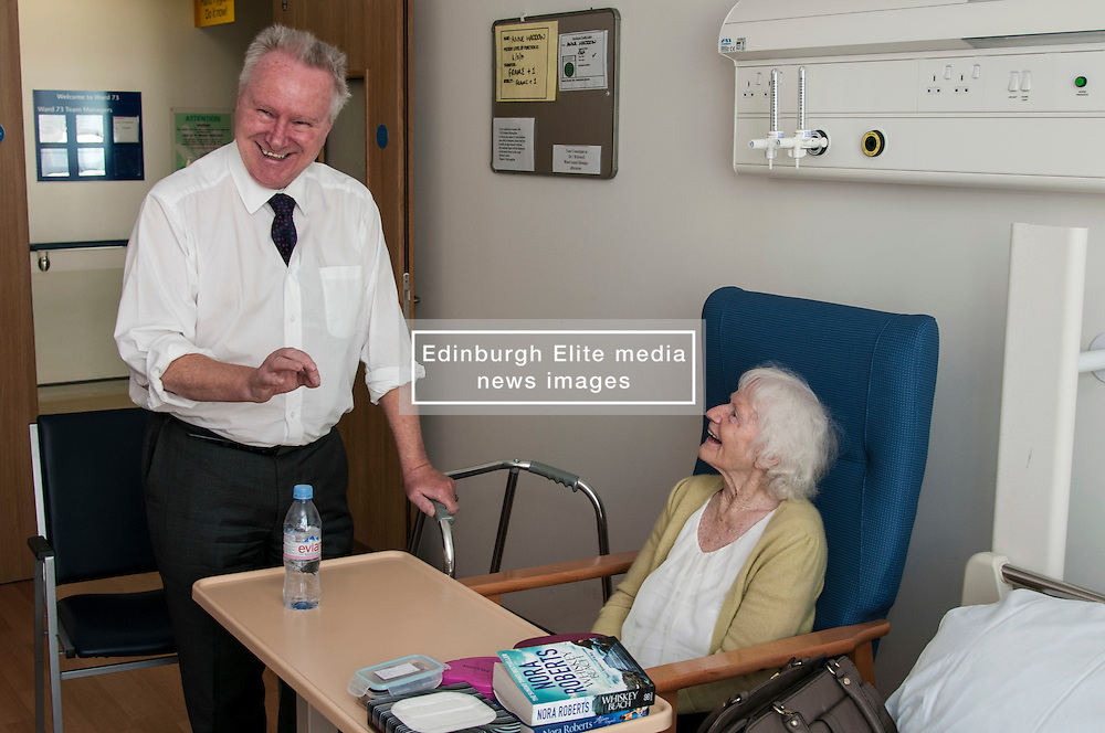 today Scottish Health Secretary Alex Neil,MSP, announced additional support for health boards. The support will be focused on improving the flow of patients through the NHS system. Mr Neil spoke to staff at NHS Lothian about their plans to invest the extra money and heard from patients about how they feel about being in hospital longer than necessary. Mr Neil met Mrs Ann Haddow (95) in one of the rehabilitaion wards as she prepared to go home after recovering from a broken femur. Edinburgh, 7 August Ger Harley | SockPix.eu
