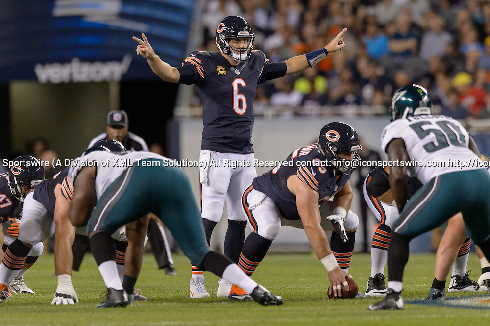 19 September 2016: Chicago Bears Quarterback Jay Cutler (6) [7816] makes a call at the line during an NFL football game between the Philadelphia Eagles and the Chicago Bears at Solider Field in Chicago, IL. (Photo by Daniel Bartel/Icon Sportswire)