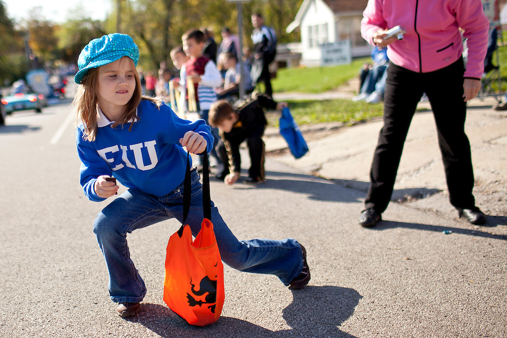 Photos from the Eastern Illinois University Homecoming Parade Saturday, Oct. 22, 2011, in Charleston, Ill. (STEPHEN HAAS)