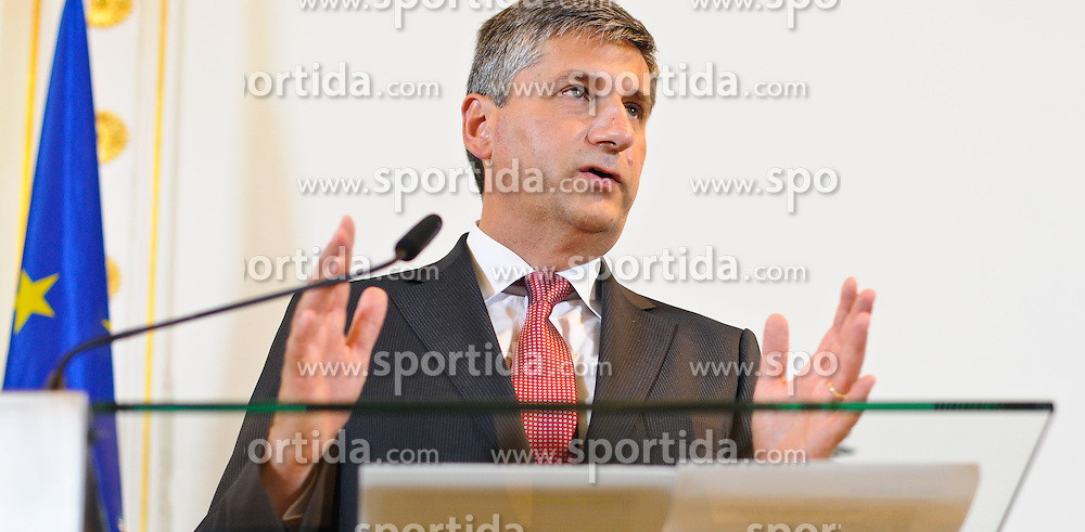 21.06.2011, Bundeskanzleramt, Wien, AUT, Ministerrat, im Bild Vizekanzler und Außenminister Michael Spindelegger // during the council of ministers, Office of the Federal Chancellor, Vienna, 2011-06-21, EXPA Pictures © 2011, PhotoCredit: EXPA/ M. Gruber