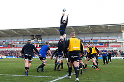 Charlie Ewels of Bath Rugby wins the ball at a lineout during the pre-match warm-up - Mandatory byline: Patrick Khachfe/JMP - 07966 386802 - 18/01/2020 - RUGBY UNION - Kingspan Stadium - Belfast, Northern Ireland - Ulster Rugby v Bath Rugby - Heineken Champions Cup