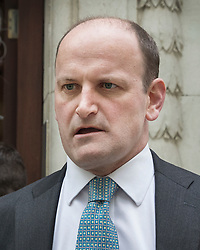 © Licensed to London News Pictures. 20/04/2017. London, UK. Former Conservative and UKIP MP Douglas Carswell talks to reporters near Parliament after it was announced that he will not contest his Clacton-on-Sea parliamentary seat in the geneneral election on June 8th 2017. Photo credit: Peter Macdiarmid/LNP