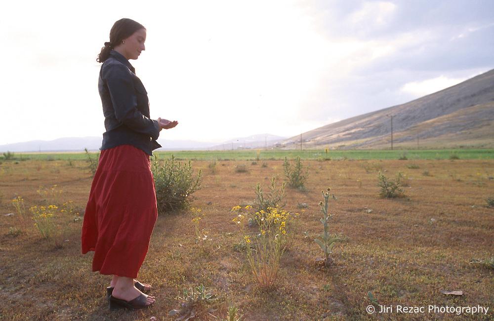 TURKEY DOGUBEYAZIT JUL02 - Portrait of a young woman in the hills near Dogubeyazit...jre/Photo by Jiri Rezac..© Jiri Rezac 2002..Contact: +44 (0) 7050 110 417.Mobile:  +44 (0) 7801 337 683.Office:  +44 (0) 20 8968 9635..Email:   jiri@jirirezac.com.Web:     www.jirirezac.com