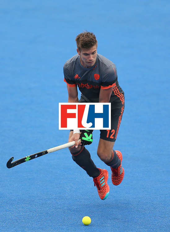 LONDON, ENGLAND - JUNE 24:  Sander de Wijn of the Netherlands in action during the semi-final match between England and the Netherlands on day eight of the Hero Hockey World League Semi-Final at Lee Valley Hockey and Tennis Centre on June 24, 2017 in London, England.  (Photo by Steve Bardens/Getty Images)