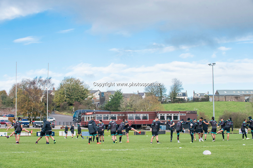 Picture by Allan McKenzie/SWpix.com - 10/11/2016 - Rugby League - 2016 Ladbrokes 4 Nations - New Zealand Kiwis Captains Run - Aspatria Rugby Club, Aspatria, England - The Kiwis warm up with some training drills as Aspatria rugby club. Copyright Image: SWPix / www.photosport.nz