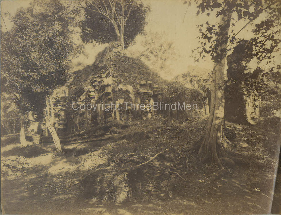 Skeen & Co. Photographs of the historical sites of Ceylon.