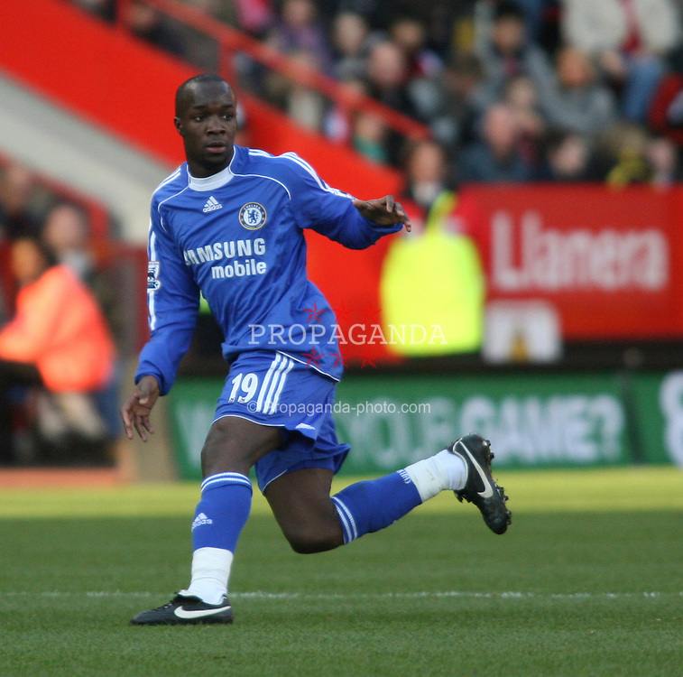 London, England - Tuesday, January 23, 2007: Chelsea's Lassana Diarra against Charlton Athletic during the Premiership match at the Valley. (Pic by Chris Ratcliffe/Propaganda)