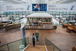 THEMENBILD, Airport Muenchen, Franz Josef Strauß (IATA: MUC, ICAO: EDDM), Der Flughafen Muenchen zählt zu den groessten Drehkreuzen Europas, rund 100 Fluggesellschaften verbinden ihn mit 230 Zielen in 70 Laendern, im Bild Innenansicht Terminal 2, Imbissstand // THEME IMAGE, FEATURE - Airport Munich, Franz Josef Strauss (IATA: MUC, ICAO: EDDM), The airport Munich is one of the largest hubs in Europe, approximately 100 airlines connect it to 230 destinations in 70 countries. picture shows: Interior view of Terminal 2, snack bar, Munich, Germany on 2012/05/06. EXPA Pictures © 2012, PhotoCredit: EXPA/ Juergen Feichter