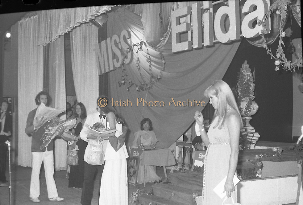 """""""Miss Elida"""" Final At Mosney, Co Meath..1976..01.09.1976..09.01.1976..1st September 1976..The final of the """"Miss Elida"""" lovely hair competition was held in The Gaiety Theatre,Butlins Holiday Centre,Mosney,Co Meath tonight. The competition is sponsored by Lever Bros,Sheriff St,Dublin. The shows compere was Mr Mike Murphy..Image shows Ms Frances Campbell from Derry being declared the winner of the competition"""