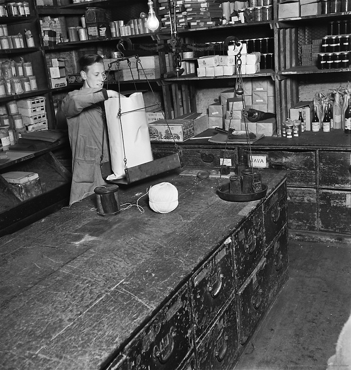 Tea Merchants Shop in Grace Church Street, London, 1934