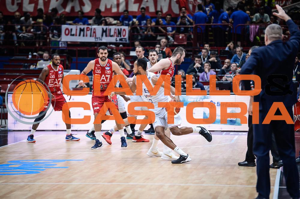 DESCRIZIONE : Milano Lega A 2015-16 <br /> GIOCATORE : Alexander Harris<br /> CATEGORIA : Palleggio Controcampo<br /> SQUADRA : Enel Brindisi<br /> EVENTO : Campionato Lega A 2015-2016<br /> GARA : Olimpia EA7 Emporio Armani Milano Enel Brindisi<br /> DATA : 20/12/2015<br /> SPORT : Pallacanestro<br /> AUTORE : Agenzia Ciamillo-Castoria/M.Ozbot<br /> Galleria : Lega Basket A 2015-2016 <br /> Fotonotizia: Milano Lega A 2015-16