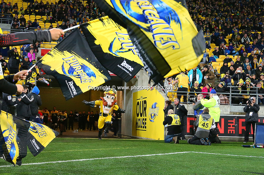 Captain Hurricane heads onto the pitch during the Investec Super Rugby Semi-Final match, Hurricanes v Chiefs at Westpac Stadium, Wellington, New Zealand. 30th July 2016. © Copyright Photo: Grant Down / www.photosport.nz