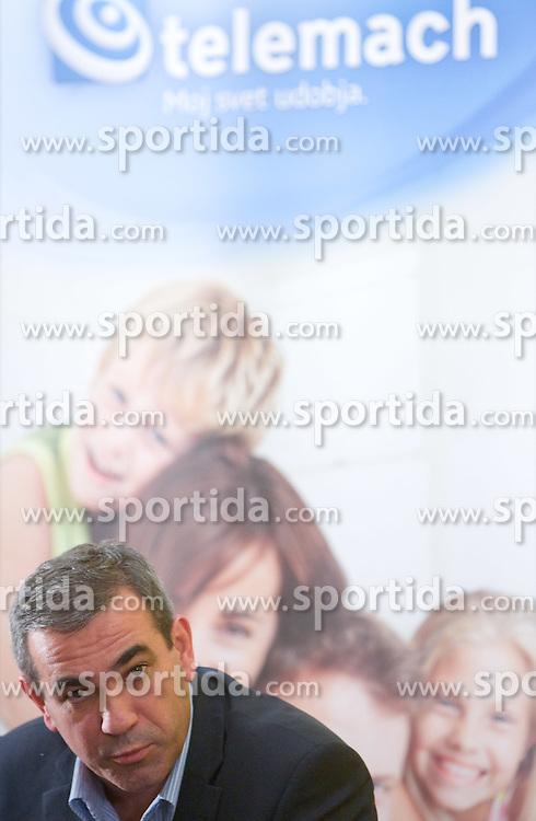 """Roman Volcic, Telemach, na okrogli mizi na temo """"Slovenska kosarka - le kos do svetovnega vrha?"""" v organizaciji SportForum Slovenija, 19. oktober 2009, Austria Trend Hotel, Ljubljana, Slovenija. (Photo by Vid Ponikvar / Sportida)"""