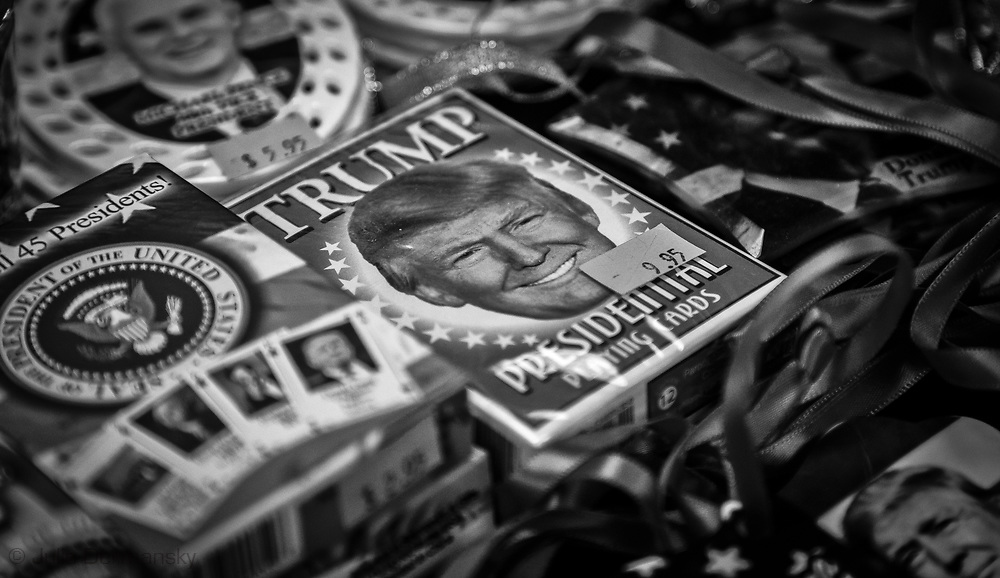 Donald Trump cards at gift shot in Gettysburg PA.