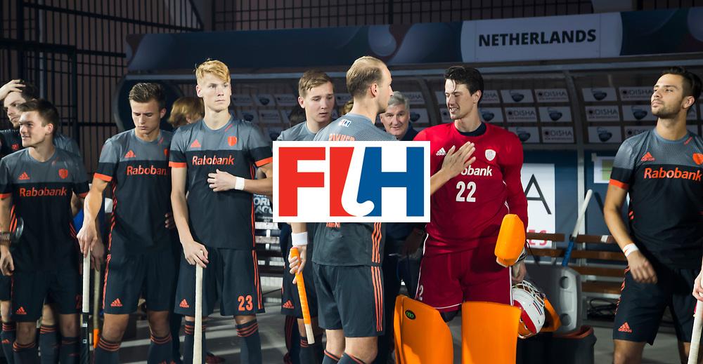 BHUBANESWAR - keeper Sam van der Ven (Ned) met Billy Bakker (Ned) , Joep de Mol (Ned)  voor de Hockey World League Final wedstrijd Belgie-Nederland (3-0).   COPYRIGHT KOEN SUYK