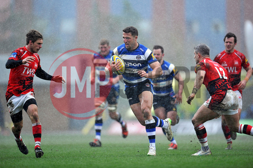 Sam Burgess of Bath Rugby goes on the attack - Photo mandatory by-line: Patrick Khachfe/JMP - Mobile: 07966 386802 29/03/2015 - SPORT - RUGBY UNION - Oxford - Kassam Stadium - London Welsh v Bath Rugby - Aviva Premiership