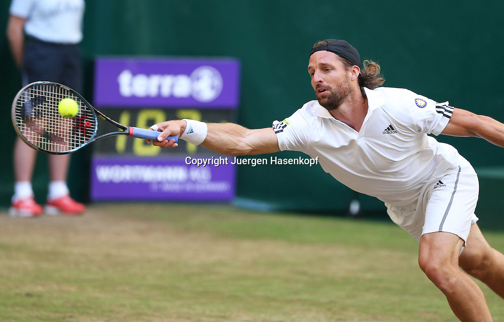 Gerry Weber Open 2014, ATP World Tour, Rasentennis Turnier, International Series,Gerry Weber Stadion,Rasenplatz, Halle/Westfalen,<br /> Herren Doppel Finale,<br /> Andre Begemann (GER),Aktion,Einzelbild,Halbkoerper,Querformat,