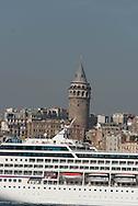 Turkey. Istambul. Galata tower and the Bosphorus / la tour de Galata et le Bosphore