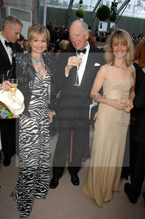 Left to right, COUNTESS MAYA VON SCHONBURG, LORD ROTHSCHILD and SABRINA GUINNESS at the Ark 2007 charity gala at Marlborough House, Pall Mall, London SW1 on 11th May 2007.<br />