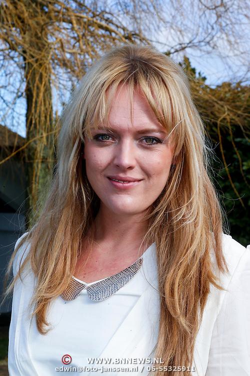 NLD/Loosdrecht/20130221 - Perspresentatie RTL programma Echte Meisje op de Prairie, Jill Kleinjan