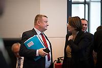 DEU, Deutschland, Germany, Berlin, 12.03.2019: Hermann Gröhe, stellvertretender Vorsitzender der CDU/CSU-Bundestagsfraktion, und die Integrationsbeauftragte der Bundesregierung, Annette Widmann-Mauz (CDU), vor Beginn der Fraktionssitzung der CDU/CSU.