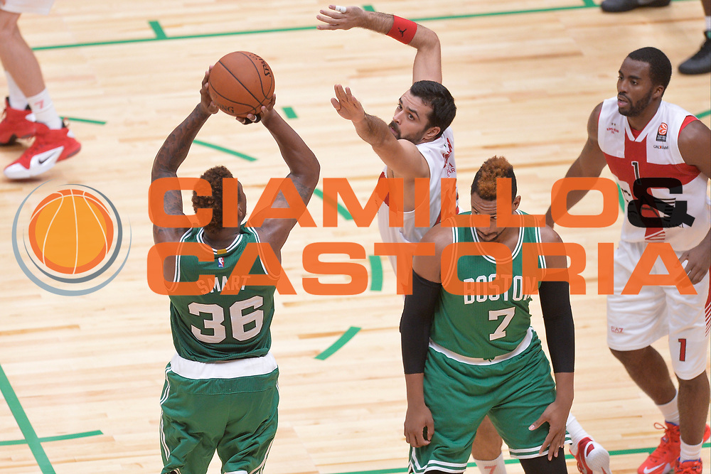 DESCRIZIONE : Milano NBA Global Games EA7 Olimpia Milano - Boston Celtics<br /> GIOCATORE : Marcus Smart<br /> CATEGORIA : Tiro ritardo <br /> SQUADRA :  Boston Celtics<br /> EVENTO : NBA Global Games 2016 <br /> GARA : NBA Global Games EA7 Olimpia Milano - Boston Celtics<br /> DATA : 06/10/2015 <br /> SPORT : Pallacanestro <br /> AUTORE : Agenzia Ciamillo-Castoria/IvanMancini<br /> Galleria : NBA Global Games 2016 Fotonotizia : NBA Global Games EA7 Olimpia Milano - Boston Celtics