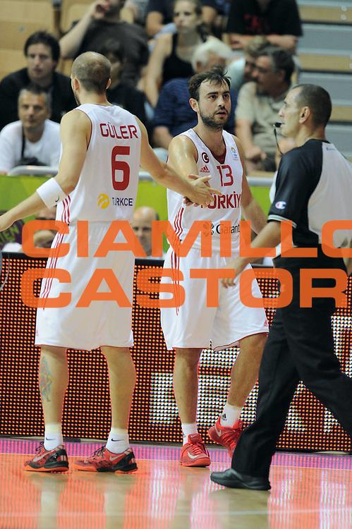 DESCRIZIONE : Capodistria Koper Slovenia Eurobasket Men 2013 Preliminary Round Turchia Russia Turkey Russia<br /> GIOCATORE : Sinan Guler Ender Arslan<br /> CATEGORIA : Esultanza<br /> SQUADRA : Turchia Turkey<br /> EVENTO : Eurobasket Men 2013<br /> GARA : Turchia Russia Turkey Russia<br /> DATA : 09/09/2013<br /> SPORT : Pallacanestro&nbsp;<br /> AUTORE : Agenzia Ciamillo-Castoria/Max.Ceretti<br /> Galleria : Eurobasket Men 2013 <br /> Fotonotizia : Capodistria Koper Slovenia Eurobasket Men 2013 Preliminary Round Turchia Russia Turkey Russia<br /> Predefinita :