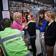 Nederland, Waalwijk, 1-12-2012 -  Top kerstdrukte bij het distributiecentrum van internet winkel Bol.com. B  FOTO: Gerard Til