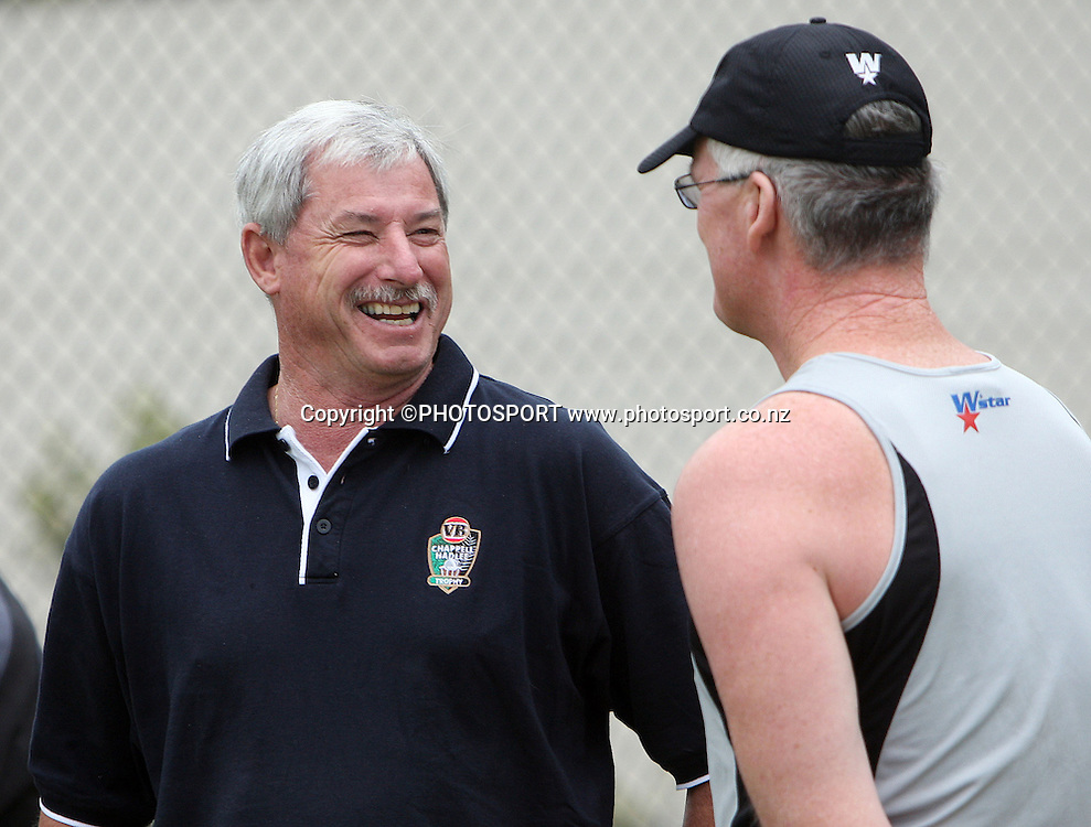 New Zealand coach John Bracewell (R) and Sir Richard Hadlee chat while watching training at Bellerive Oval prior to the 3rd and deciding Chappell Hadlee Trophy match. Hobart, Australia. Wednesday 19 December 2007. <br />