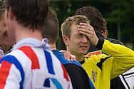 HEERLERHEIDE 03/05/2009 GROENE STER - UDI19. COMPETITIEWEDSTRIJD EERSTE KLASSE - SEIZOEN 2008-2009. UDI IS KAMPIOEN. KEEPER THEO VAN DEN DUNGEN BESEFT DAT HET ZIJN LAATSTE IS, OMDAT HIJ STOPT. Foto: John Kraijenbrink/Pix4Profs