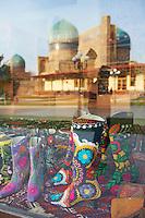 Ouzbekistan, Samrakand, classe patrimoine mondial de l Unesco, Mosquee Bibi Khanoum et artisanat // Uzbekistan, Samarkand, Unesco World Heriatge, Bibi Khanoum mosque and craft