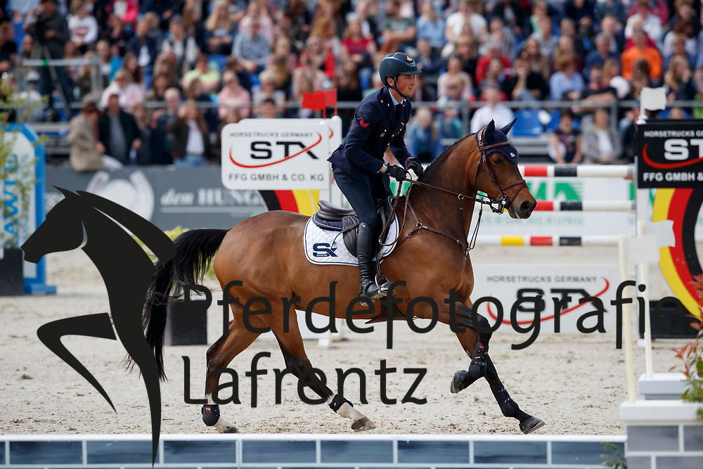 DE LUCA Lorenzo (ITA), De Flipper<br /> Hagen - Horses and Dreams meets the Royal Kingdom of Jordan 2018<br /> Grosser Preis der DKB Qualifikation DKB-Riders Tour<br /> 30 April 2018<br /> www.sportfotos-lafrentz.de/Stefan Lafrentz