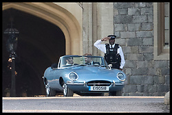 May 19, 2018 - Windsor, Windsor, United Kingdom - Image licensed to i-Images Picture Agency. 19/05/2018. Windsor , United Kingdom.  Prince Harry and Meghan Markle leaving Windsor Castle in an open top sports car as they head to Frogmore House in Windsor for the evening wedding reception. (Credit Image: © Stephen Lock/i-Images via ZUMA Press)