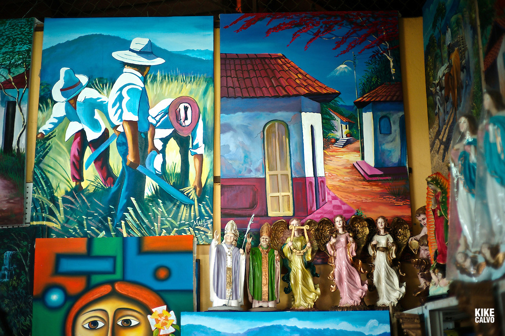 "Artisanal Market in Masaya, known as ""The Cradle of Nicaraguan Folklore"", great place to buy Nicaraguan handicrafts."