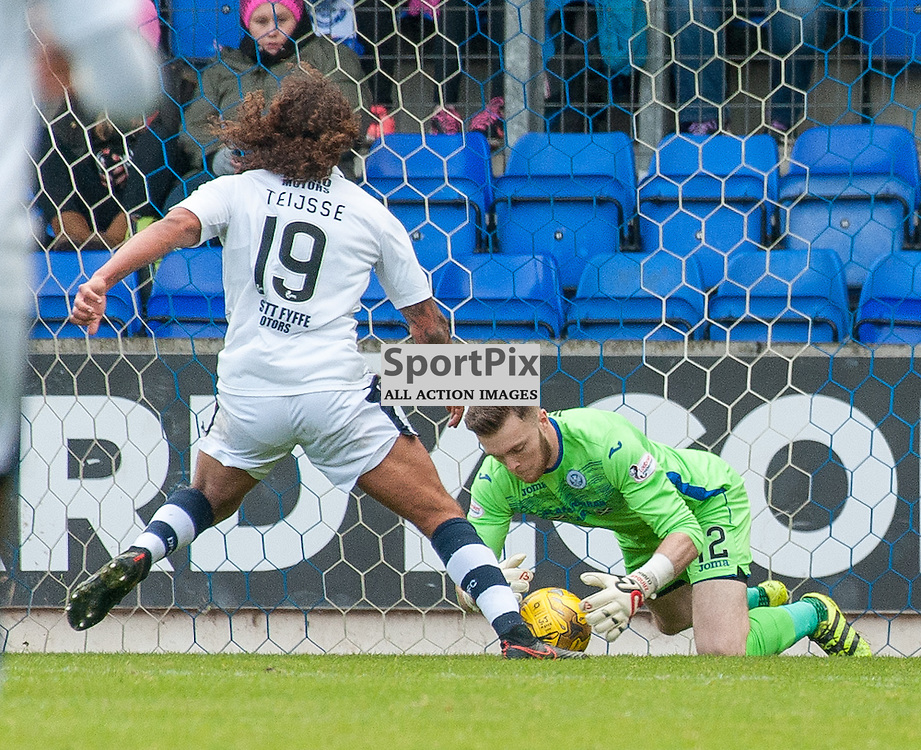 #12 Zander Clark (St Johnstone) saves at the feet of #19 Yordi Teijsse (Dundee) - St Johnstone v Dundee - Ladbrokes Premiership - 23 October 2016 - © Russel Hutcheson | SportPix.org.uk