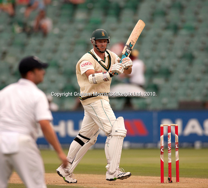 Graeme Smith bats during the fourth and final Test Match between South Africa and England at the Wanderers Stadium, Johannesburg. Photograph © Graham Morris/cricketpix.com (Tel: +44 (0)20 8969 4192; Email: sales@cricketpix.com)
