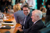 DEU, Deutschland, Germany, Berlin, 30.05.2018: Bundesverkehrsminister Andreas Scheuer (CSU) und Bundesinnenminister Horst Seehofer (CSU) vor Beginn der 11. Kabinettsitzung im Bundeskanzleramt.