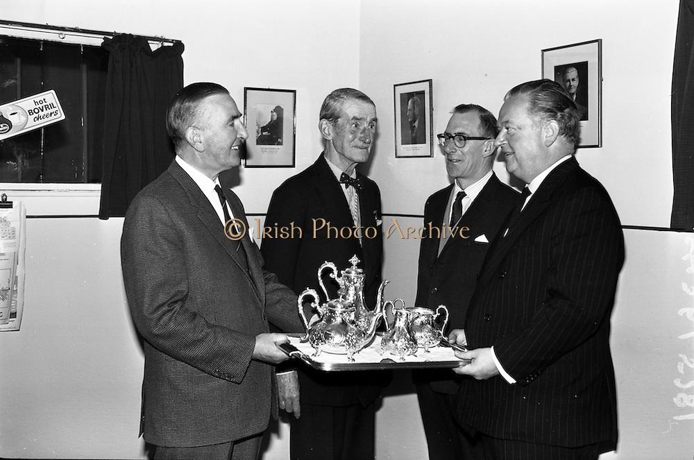 16/11/1964<br /> 11/16/1964<br /> 16 November 1964<br /> <br /> Presentation at the Bovril Office in Dublin
