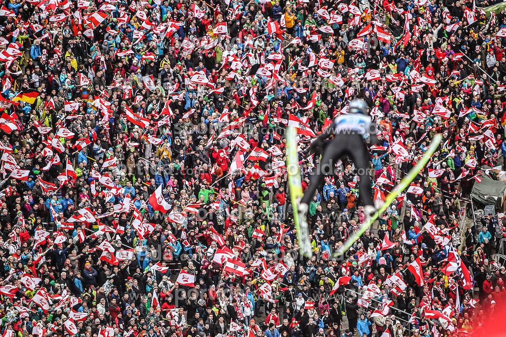 04.01.2014, Bergisel Schanze, Innsbruck, AUT, FIS Ski Sprung Weltcup, 62. Vierschanzentournee, Innsbruck, Bewerb, im Bild Thomas Morgenstern (AUT) // Thomas Morgenstern (AUT) during Competition of 62nd Four Hills Tournament of FIS Ski Jumping World Cup at the Bergisel Schanze in Innsbruck, Austria on 2014/01/04. EXPA Pictures © 2014, PhotoCredit: EXPA/ JFK