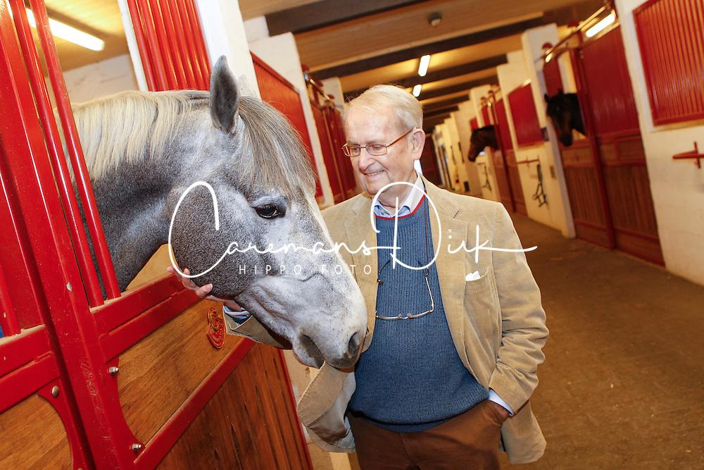 Leon Melchior met Clintissimo Z<br /> Stoeterij Zangersheide - Lanaken 2011<br /> &copy; Dirk Caremans