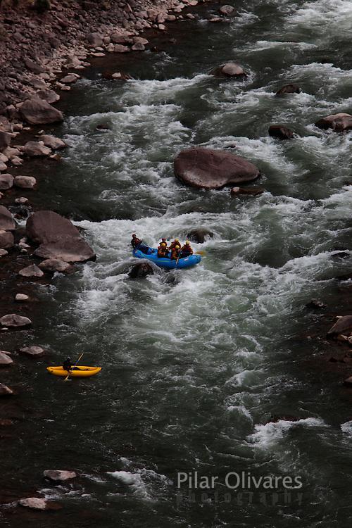 Whitewater rafting in the Urubamba river in Cuzco.  (Photo Pilar Olivares)......