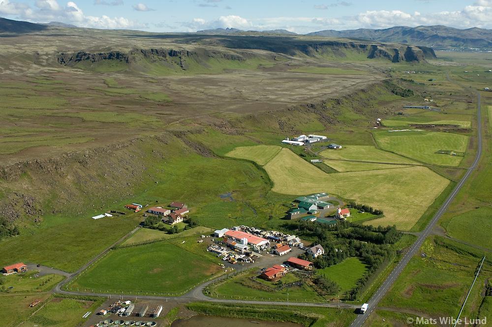 Bjarnastaðir, Hjalli, Gerðakot, Lækur, Krókur og Þorgrímsstaðir séð til norðausturs. Ölfushreppur. / Bjarnastaduir, Hjalli, Gerdakot, Laekur, Krokur aand Thorgrimsstadir viewing northeast, Olfushreppur.