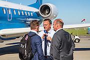 NOVI SAD - 17-08-2016, Vojvodina - AZ, Karadjordje Stadion, vertrek en aankomst, AZ trainer John van den Brom
