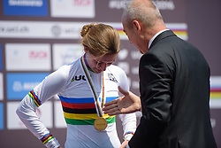 Karlijn Swinkels (NED) receives her gold medal at the 13.7 km Junior Women's Individual Time Trial, UCI Road World Championships 2016 on 10th October 2016 in Doha, Qatar. (Photo by Sean Robinson/Velofocus).