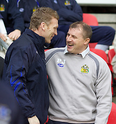 Wigan, England - Sunday, January 21, 2007: Everton's manager David Moyes and Wigan Athletic's manager Paul Jewell before the Premier League match at the JJB Stadium. (Pic by David Rawcliffe/Propaganda)