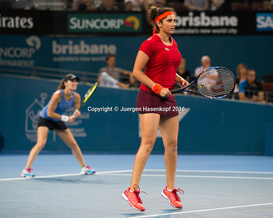 Martina Hingis und Sania Mirza, Doppel Finale<br /> <br /> Tennis - Brisbane International  2016 - WTA -  Queensland Tennis Centre - Brisbane - QLD - Australia  - 9 January 2016. <br /> &copy; Juergen Hasenkopf